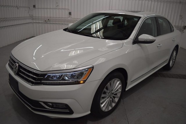 Pre-Owned 2016 Volkswagen Passat 1.8T SE TURBO CHARGED