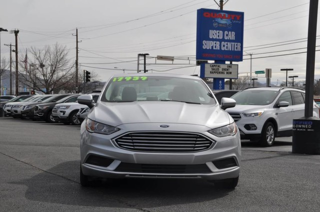 Pre-Owned 2017 Ford Fusion Hybrid SE Great MPG!