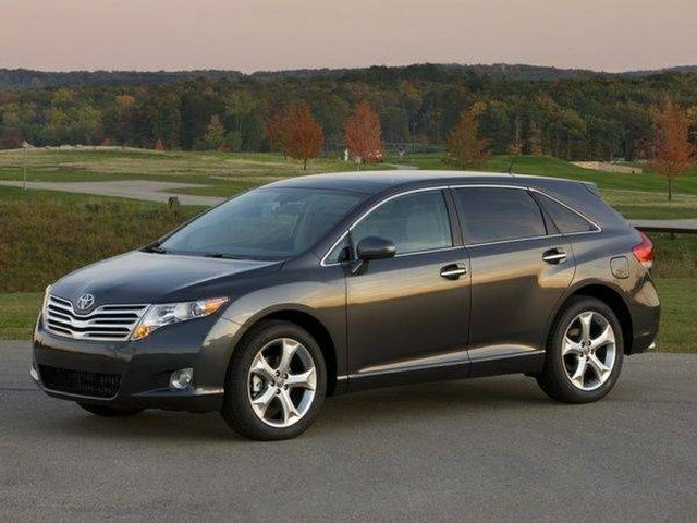 Pre-Owned 2011 Toyota Venza S