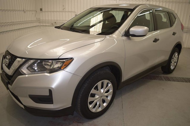 Pre-Owned 2017 Nissan Rogue S ALL WHEEL DRIVE