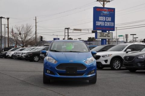 Pre-Owned 2017 Ford Fiesta Titanium Great MPG