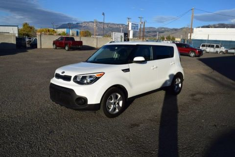 Pre-Owned 2017 Kia Soul + Package