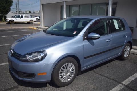 Pre-Owned 2012 Volkswagen Golf w/Conv FUN TO DRIVE